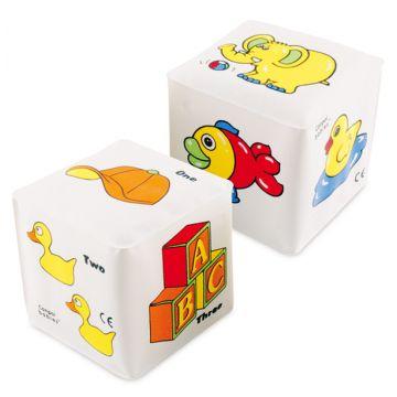 Мягкий кубик-погремушка Canpol BabiesМягкий кубик-погремушка Canpol Babies (1шт) 7067, в упаковке 1 шт., возраст с 3 мес.<br><br>Штук в упаковке: 1<br>Возраст: с 3 мес.