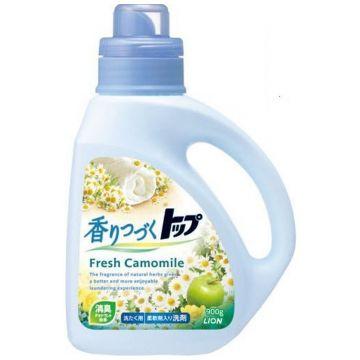 Жидкое средство для стирки Lion ТОП с ароматом ромашки и зеленого яблока флакон 900 мл